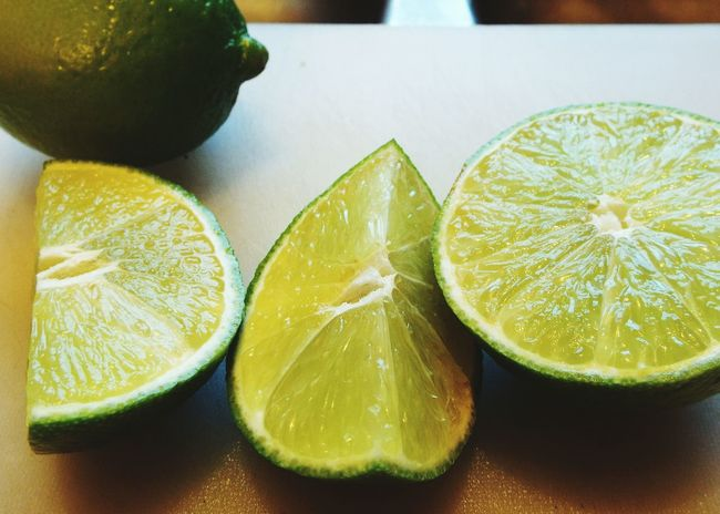 Limes Large Citrus Citrus  Juicy Cutting Board Cooking At Home Cut Limes Kitchen Sink Close Up Cutting Home Kitchen Summer Exploratorium
