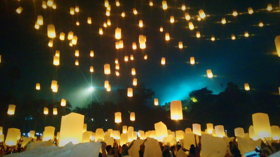 Light full of dreams Celebration Vesak Vesak Lanterns Vesak Festival Lantern Lantern Festival BorobudurTemple Wonderfulindonesia Large Group Of People People Traditional Festival Arts Culture And Entertainment Religion Lantern Outdoors Night Tranquility Landscape_photography Travel Destinations Explorecentraljava Photography Takenbyme Conected Whit Travel Lost In The Landscape