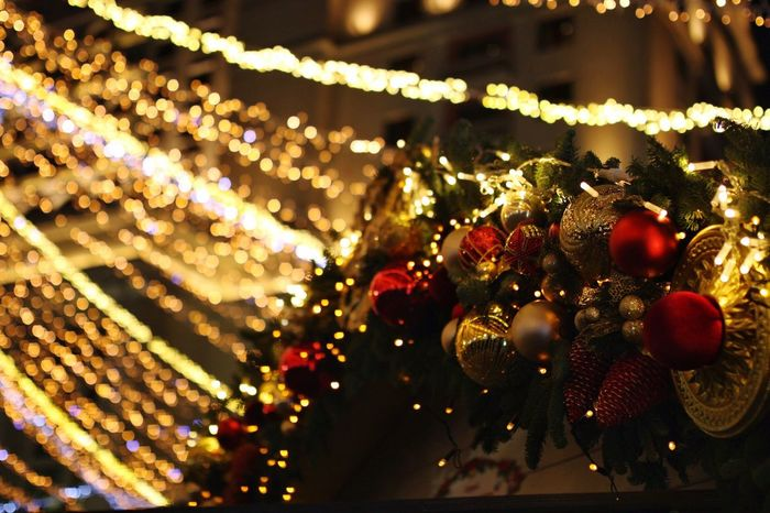 Festive Season Christmas Decorations Decoration Bokeh Bokehlicious Holidays Are Coming! Streetphotography Nightphotography Night Lights Fair Winter Wonderland Hanging Out