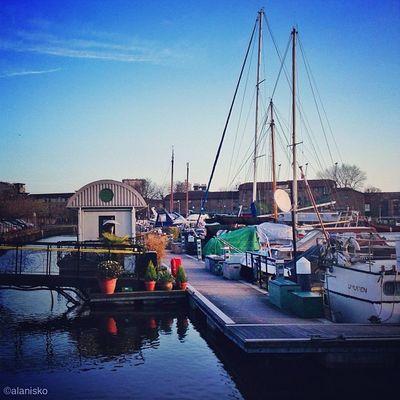 Poplar Dock Marina ??☀⛵?⚓ #alan_in_london #gf_uk #gang_family #igers_london #insta_london #london_only #thisislondon #ic_cities #ic_cities_london #ig_england #love_london #o2trains #gi_uk #ig_london Ic_cities_london Ig_london Gang_family London_only Ic_cities Gf_uk Alan_in_london Insta_london O2trains Thisislondon Gi_uk Igers_london Ig_england Love_london