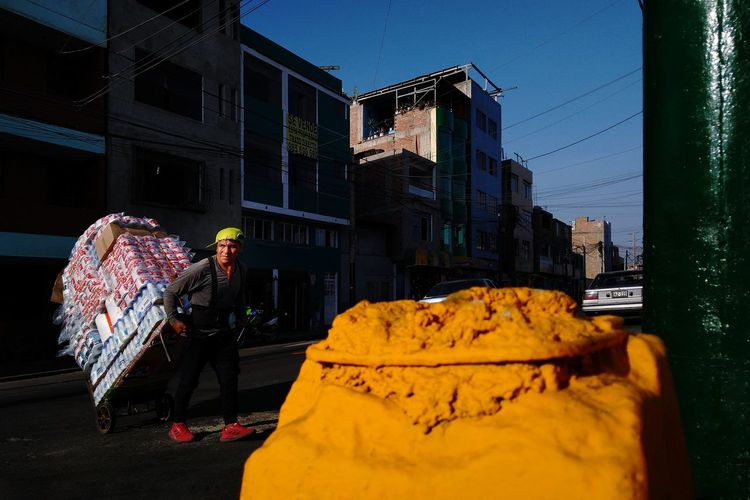 Arbeit VSCO Streetphotography Lima Perú The Art Of Street Photography City Cityscape Occupation Business Finance And Industry Sky Architecture