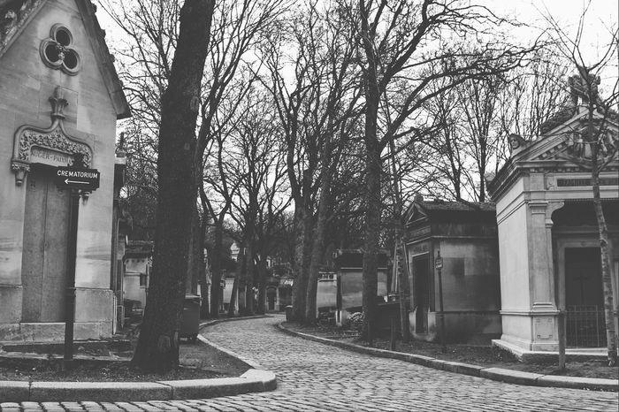 Negative Space Blackandwhite Photography Eyeemmonochrome EyeEmRussianTeam Streetphoto_bw Black And White EyeEm Bnw Paris Old Arhitecture