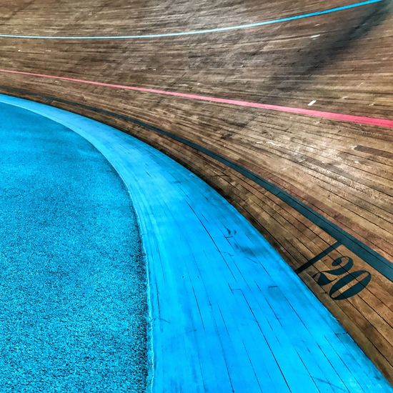 Insep Cycling Track 😀 Paris France Photooftheday Colors Blue Wood Training Moment Snapseed Iphonographie EyeEm IPhoneography Iphonephotography Iphonephotooftheday IPhoneography Mobilephotography Outofthephone Iphoneonly Indoors  Moments