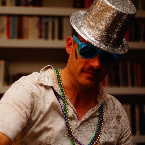 TheRingMaster. Feedingoursouls14 Festivalfashion Beads Manwearingbeads Malenecklace Manwearingsunglasses Mensfashion Menssunglasses Party Pose Portrait Drunkenportrait