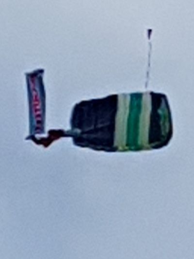 Parachute 10