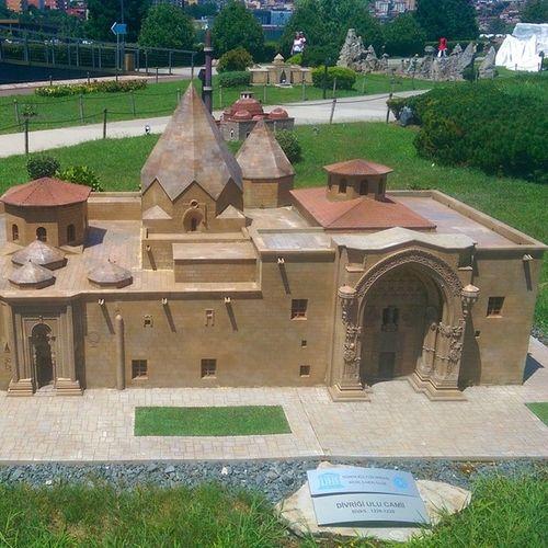 Sivas Divrigi Ulucami Istanbul miniature miniaturk maket model art halicioglu sutluce muze museum tour travel Turkiye