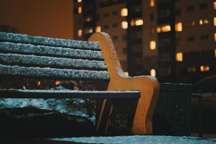 Лавочка Night Architecture Building Exterior Weather Winter Illuminated Outdoors Built Structure Cold Temperature No People Snow City