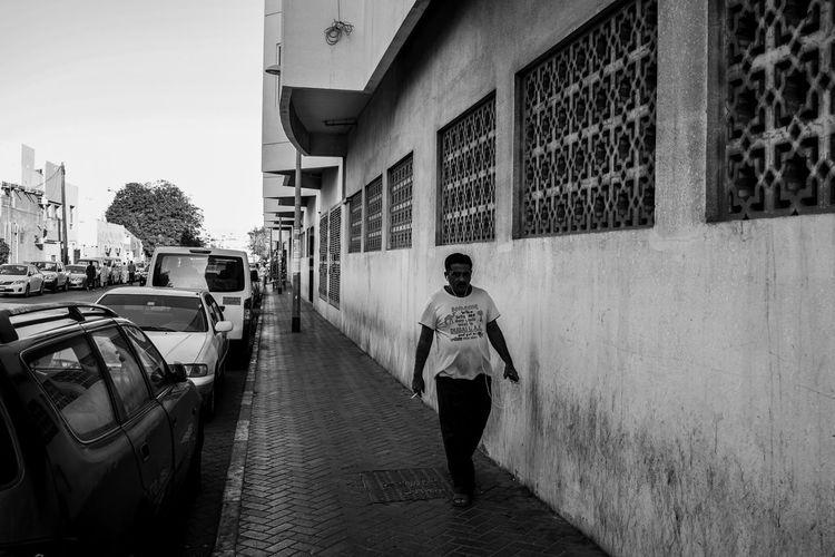 Black & White EyeEm Best Shots WeekOnEyeEm Blackandwhite Blackandwhite Photography Building Exterior Mirrorless Monochrome Streelife Street Photography Streetphoto_bw Streetphotography Week On Eyeem