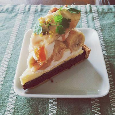 La Maisonのキャラメルバナナのチョコタルト💓🍰おいしい!!! Japan Food Cake Banana Yammy!!  Chocolate ケーキ タルト