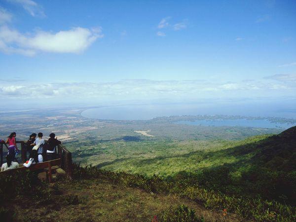 The Great Outdoors With Adobe vista del lago de Nicaragua e isletas de granada desde la cima del volcan mombacho