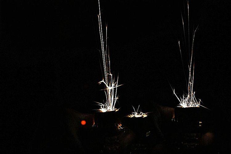EyeEm Best Edits All Eye4photography  EyeEm Best Shots EyeEm Gallery Darkness And Light Photography Likes EyeEm Dark Light Light And Shadow Freedom People Photography Fire Iqbalfahrezi Throwbackthursday  Pictoftheday Working Hard EyemIndonesia Made In Indonesia
