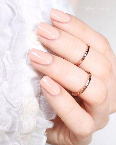 """Hallöchen ☺️, heute gibt's den tollen """"high Class Affair"""" von Essiedeutschland ❤️ Nails2inspire Essiepolish Essieliebe Essie Nailpolish Nails Nagellack  Nagellackliebe"""