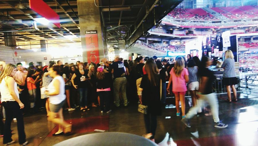 One Direction Fans Cheering Motherdaughter The Moment - 2015 EyeEm Awards