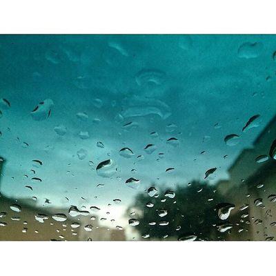 Ryiadh right now ? Riyadh Rain Jnon Sky beutefal natural Xperia_z Xperia xperialeadinglines Xperiafans xperiapictip الصباح السعودية ابداعاتي المطر الرياض بدون_تعديل تصويري عدستي عرب_فوتو كامي طبيعه جميل صور