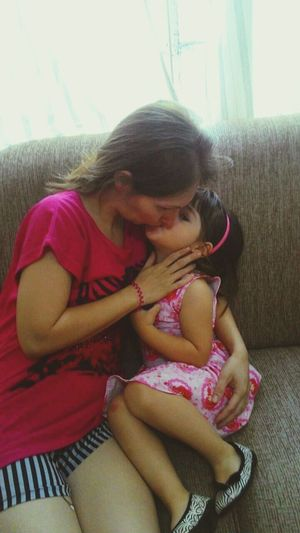 Mother And Daughter kisses and soul Sweet Child