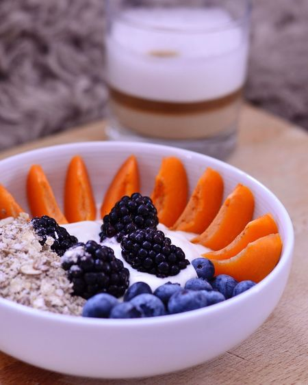 Breakfast bowl of dreams. Blackberries Apricots Greek Yoghurt Granola Honey Latte Homemade Breakfast Weekends Are The Best Weekend Healthy Eating Healthy Healthy Lifestyle Healthyliving Breakfast Breakfast Bowl Blueberries Scandinavian Style Visual Feast