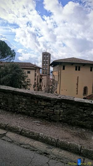 Z3 Xperia Blue Wave Old Town Urbanphotography Storic Church Arezzo Italy🇮🇹 Arezzox
