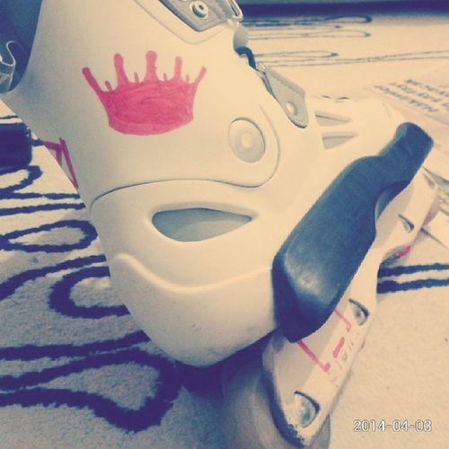 Sevgiliim Solotrooper Roller Rollerblade White redblacktaçhayatmylifelovekisslikelikedlikeslikefourlikelike4likeinstalikeinstafollowinstagoodinstamoodinstalovelife