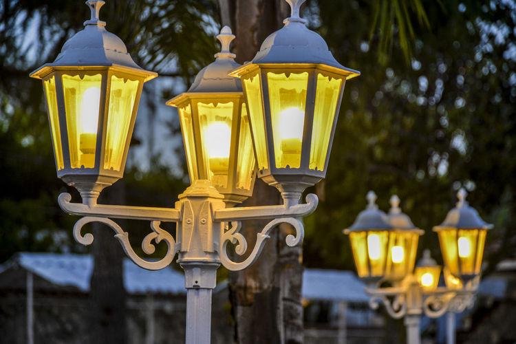 Illuminated electric lamp post
