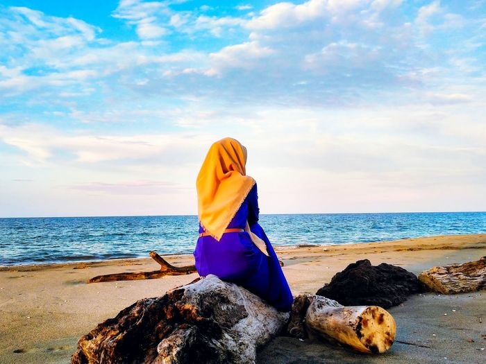 Alone Sea Beach Only Women One Woman Only Horizon Over Water People Sky Women Smiling Portrait Relaxation One Person First Eyeem Photo