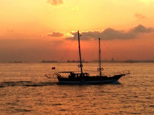 günbatımı Bulut☁ Clouds Gemi Istanbul Bogaz 💚💜