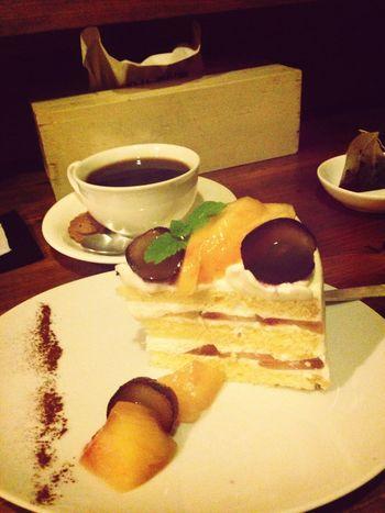巨峰と桃のショートケーキ