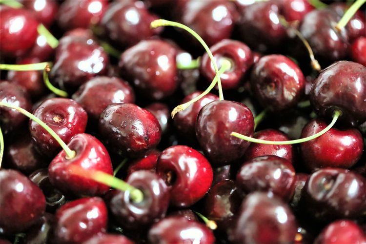 Close-up No People Cherry Ripe Freshness Wellbeing Fruit Food And Drink Healthy Eating Food Still Life Selective Focus Large Group Of Objects Red Full Frame Indoors  Day Red Currant Backgrounds Abundance Berry Fruit