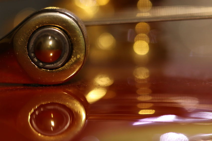 reflection Bigsby Guitar Gold Colored depth of field Object Photography EyeEm Selects EyeEmNewHere Artphotography Arts Culture And Entertainment Close Up Photography Macro Photography In Focus / Out If Focus StillLifePhotography Macro_captures Orange Color Gold Colored Abstract Macro Backgrounds Close-up The Still Life Photographer - 2018 EyeEm Awards 10 The Creative - 2018 EyeEm Awards