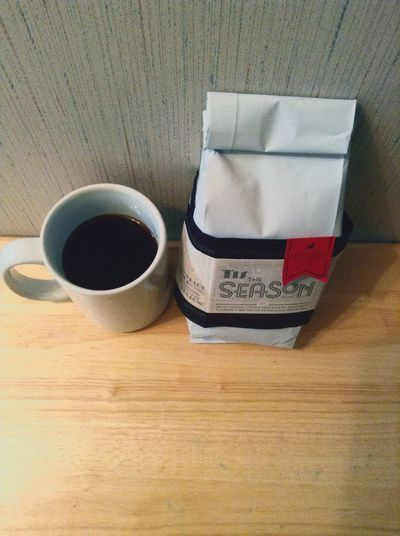 Tis the Season blend, smooth, hints of fruits & cocoa = delicious! Coffee Have Coffee With Me!!! Relaxing Goodmorning Followthegoat