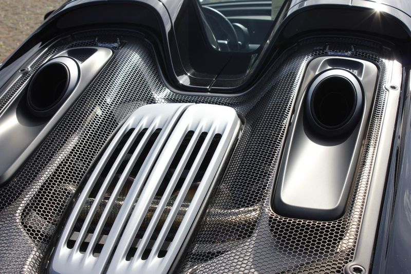 918 918Spyder 918 Porsche 918 Spyder Porsche Motor Vehicle Land Vehicle Car Mode Of Transportation Transportation Close-up No People Metal High Angle View Indoors  Day Full Frame Stationary Shiny Still Life Pattern Silver Colored Vehicle Interior Shape Luxury