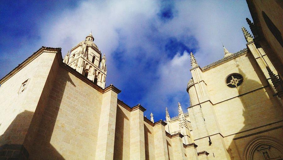 Walking Around Historical Sights Sightseeing Architecture