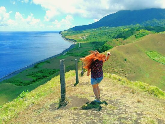 Wheninbatanes Batanes Islands Basco, Batanes BatANESSA Sky HillTopView View Hilltop Clouds Hairflip Hairflips Singlewoman Single Solotraveler Travelsolo Outdoors YOLO ✌ The Traveler - 2018 EyeEm Awards Water Sea Working Women Standing Agriculture Farmer Full Length Beach Sand The Great Outdoors - 2018 EyeEm Awards