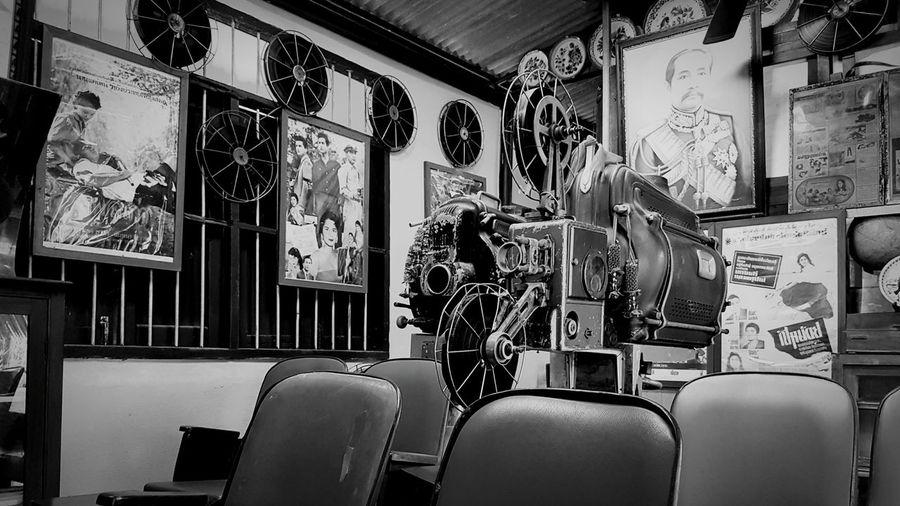 Old time ราชบุรี บ้านโป่ง ประเทศไทย Thailand Old Buildings Movie Time MOVIE Black & White King Camera Film