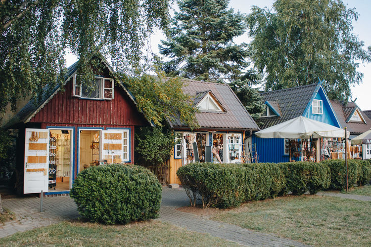 Lietuva Lithuania Souvenirs/Gift Shop Architecture Beauty In Nature Building Building Exterior Built Structure Cottage Day Footpath Grass Green Color Growth Hedge House Land Nature Nida No People Outdoors Plant Residential District Roof Tree