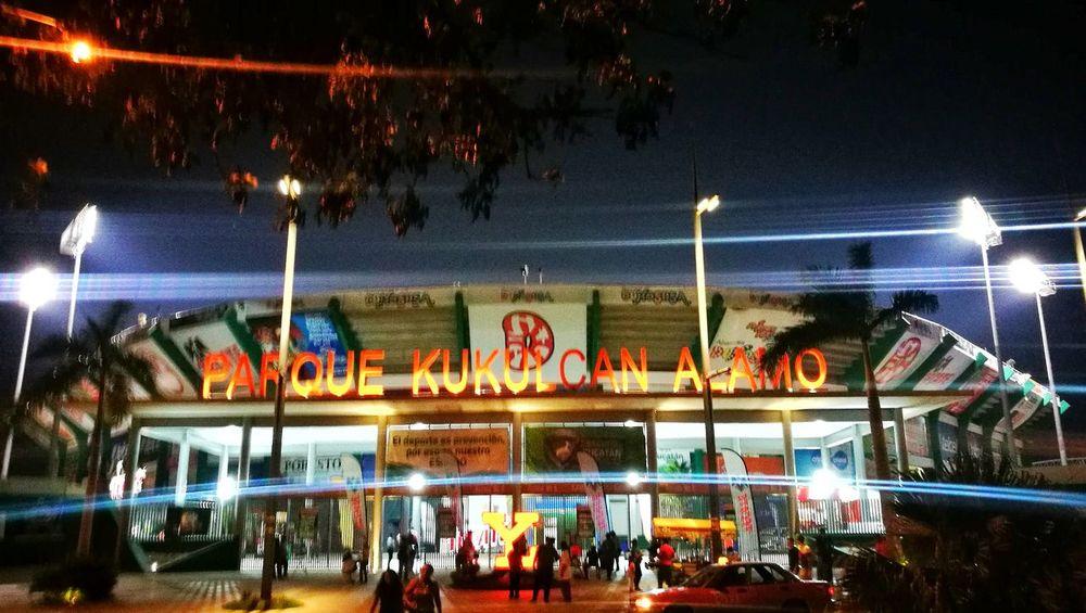El rey de los deportes Mérida Yúcatan Leica Lens Baseball Sport Night Illuminated Arts Culture And Entertainment Large Group Of People Leisure Activity Amusement Park Enjoyment