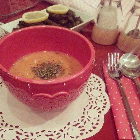 Biraz bogazım agrıyosa tarhana corbası yapılır ? Soup Tarhana Turkishfood Mykitchen sunumonemlidir homesweethome nane polkadot