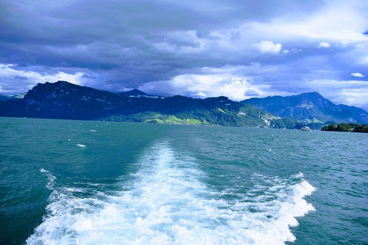EyeEm Selects Switzerland Switzerland_vacations Sky And Clouds Boats Geneva Geneva Lake Mountain Blue White Waves Cruise