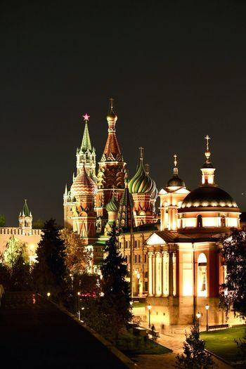 Kremlin EyeEmNewHere Night ночной Кремль Kremlin Moscow Москва Architecture Building Exterior Built Structure Dome Sky Illuminated City