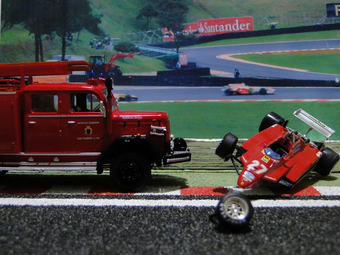 Big Crash!! ( but not real !) Diecast Dioramas Ferrari Formula 1 Competition Diecastcars Diecastphotography Diorama F1 Fire Engine Formula One Racing Racecar Sports Race Sports Track Transportation The Week On EyeEm EyeEmNewHere