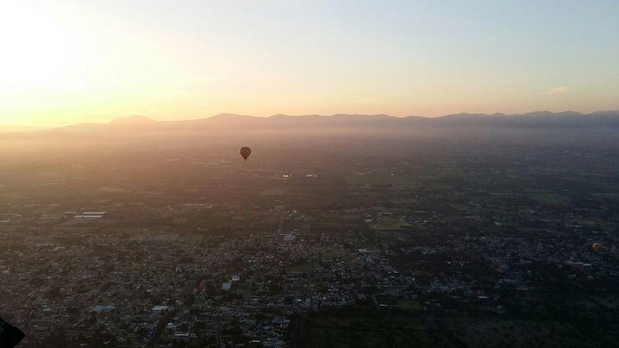 Vista en Globo de las piramides en ciudad Mexico