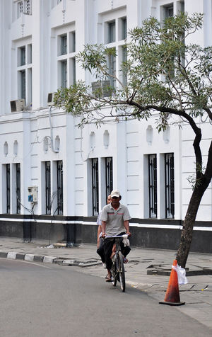 Onthel or bicycle service at Kota Tua area, Jakarta Travelphotography Travelphotos Photo Of The Day Photooftheday Documentary Photography Streetphotos Streetphotography Photography Street Photography Documentaryphotography Humaninterestphotos Photojournalism Travel Photography Humaninterestphotography Human Interest Indonesia