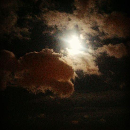 Fullmoon Yellowmoon SpringNight Dramatic Sky Beautiful
