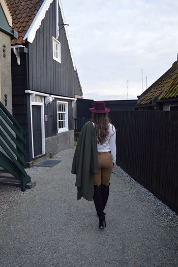 3. Harbour Sky Red Photoshoot Sister Old Town Balloons City Church Cute Beautiful Dutch Old Town Clothes Fashion