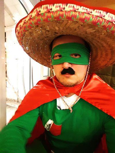 Only Men Portrait Ezi Rust Captain Mexico Party Time Mexiko