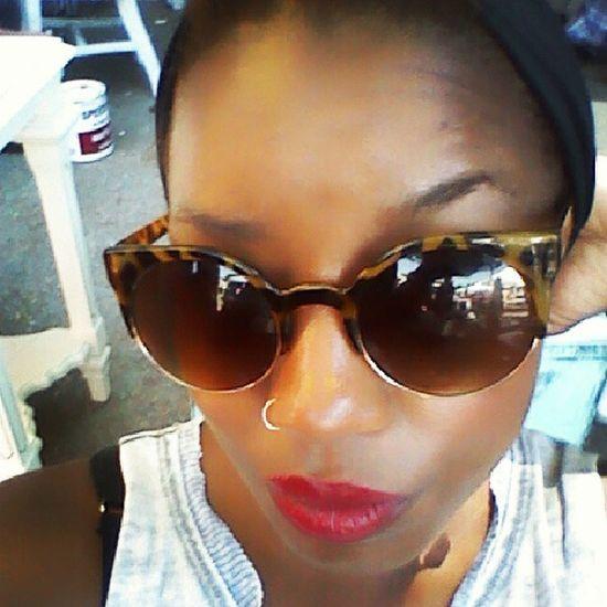 @ work makin ur happen.., Atwork , Makingmoney , MakinMoney  , Redlips , selfie , shades , readyformycloseup , mylipstickispopping, zoolander , blessed, lovinglife, joy, justbecause