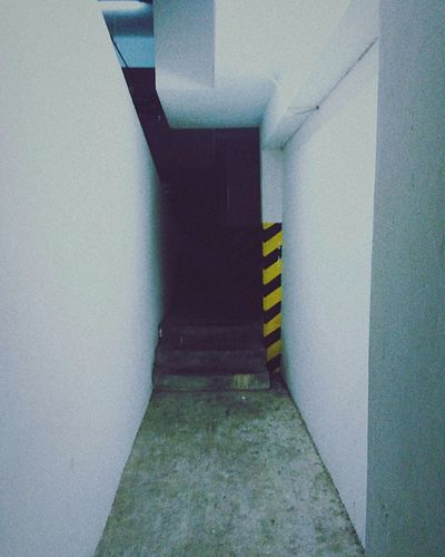 Don't cross the yellow line First Eyeem Photo Minimalist Architecture