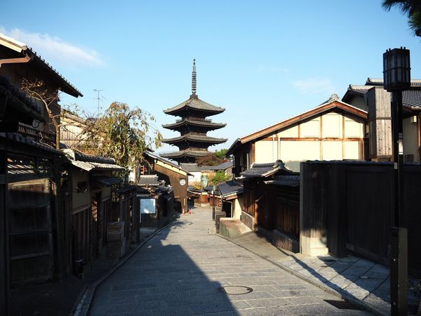 Kyoto Japan ASIA Higashiyama Yasaka-no-to Tower Early Morning Architecture Outdoors Blue Sky Sky Autumn Olympus PEN-F