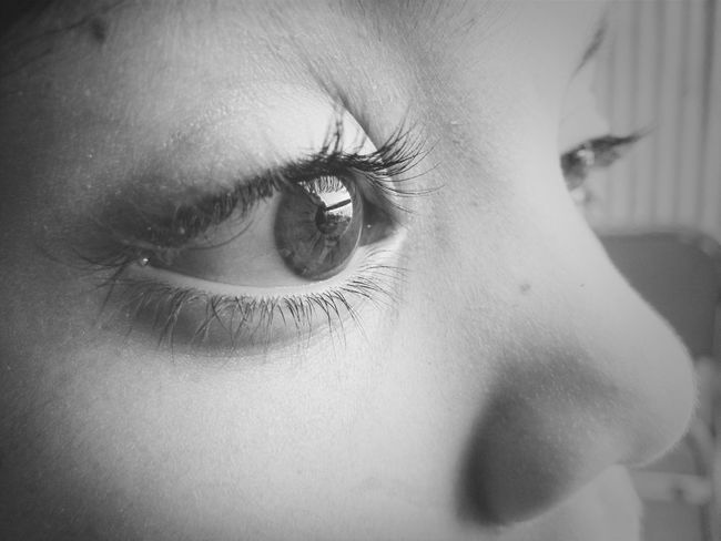 Ojos Black And White B&n Amaranta (:
