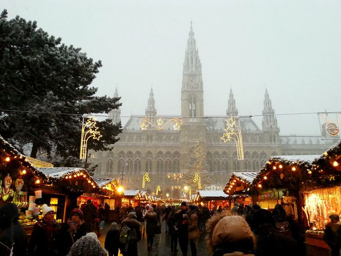 Wien Vienna  Christkindlmarkt Winter Time Snow ❄ Snowy Day Christmastime