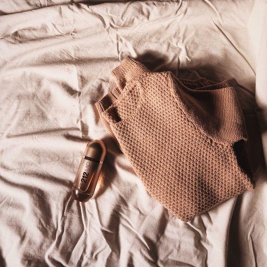 Love you Pink Carolinaherrera ınstagram Bed Textile Crumpled Indoors  Fabric No People Bedroom Textured  Close-up Day Sack Sheet